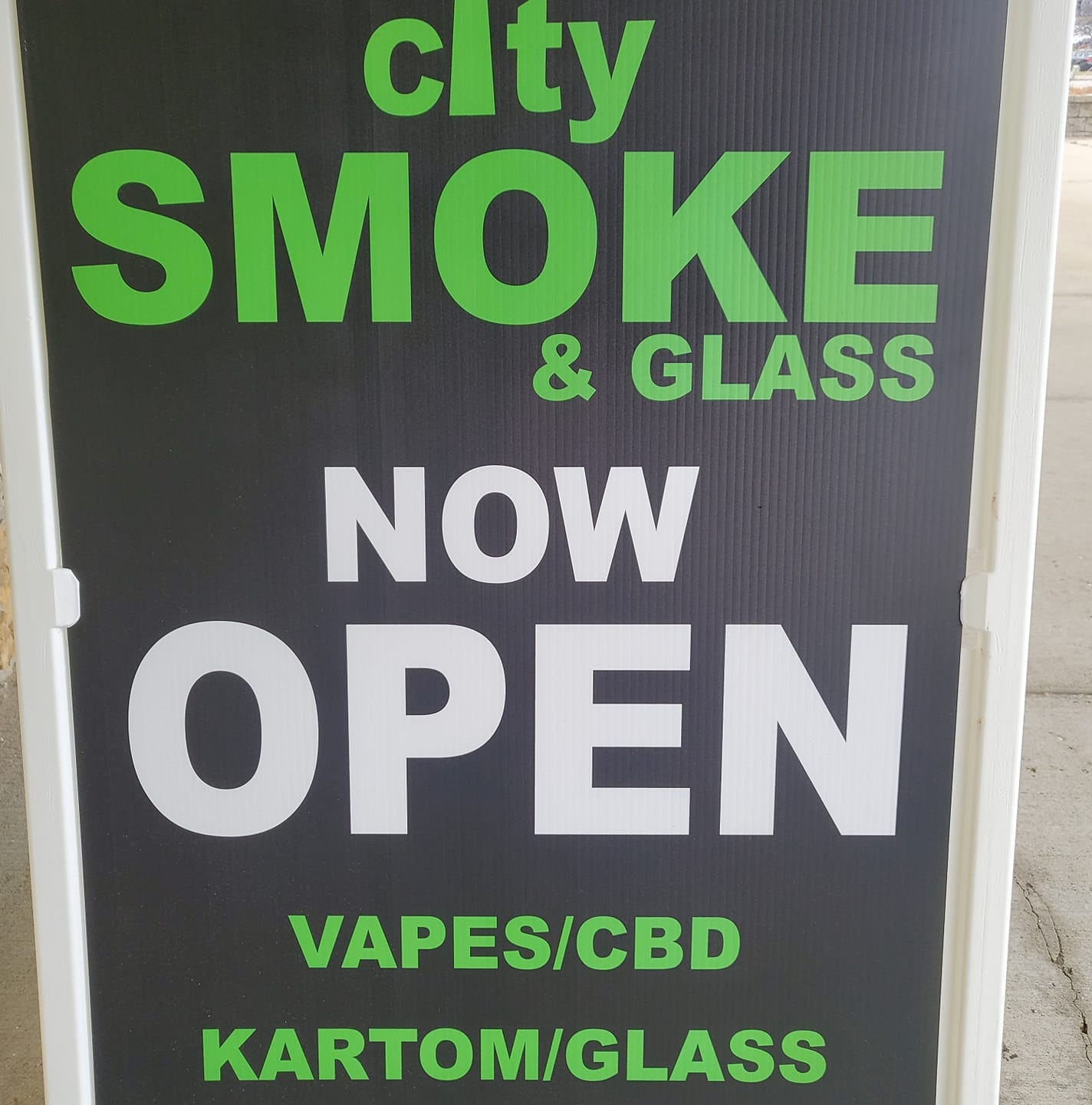 City Smoke & Glass Logo