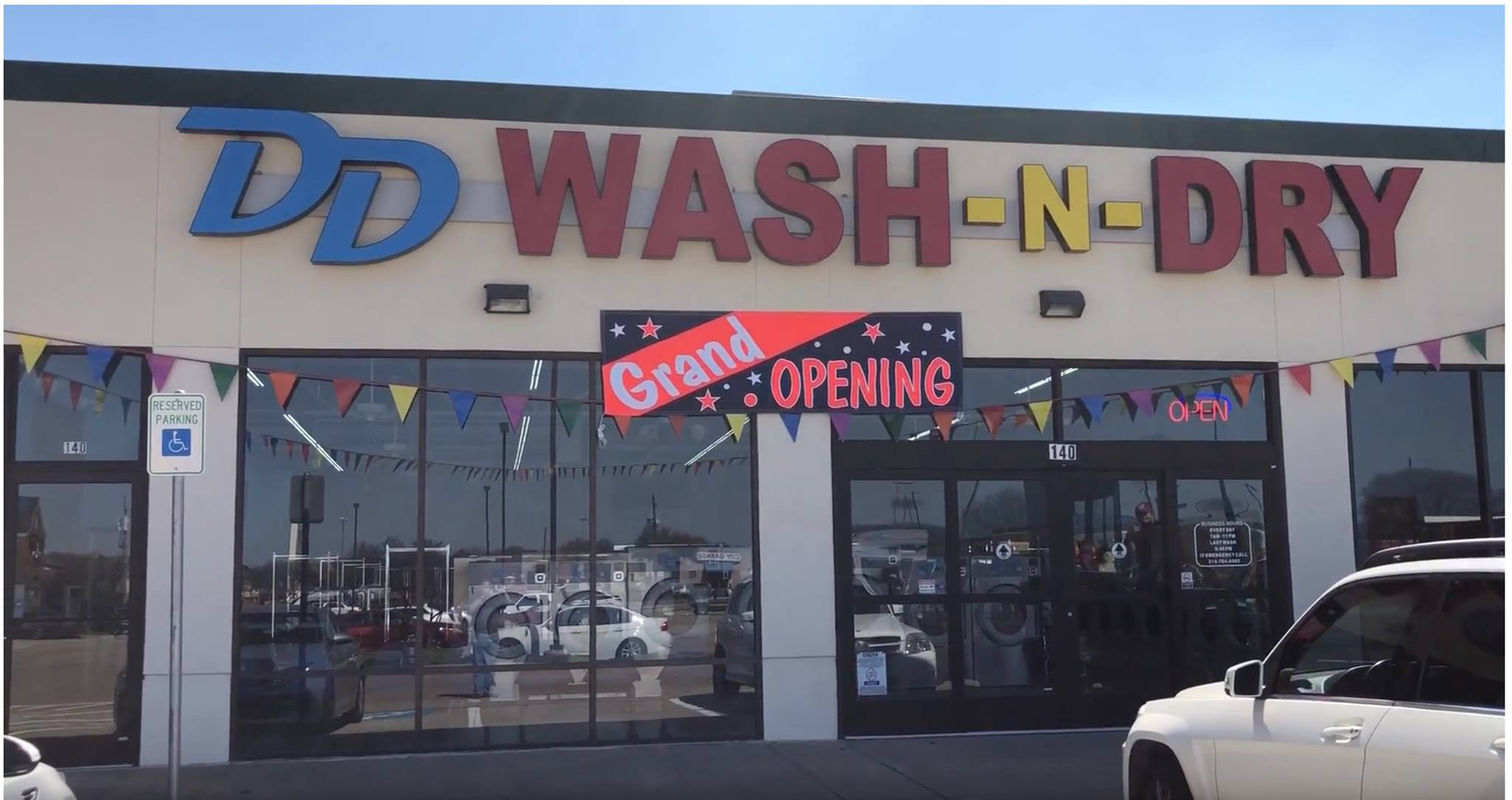 DD WASH-N-DRY - Dallas Logo