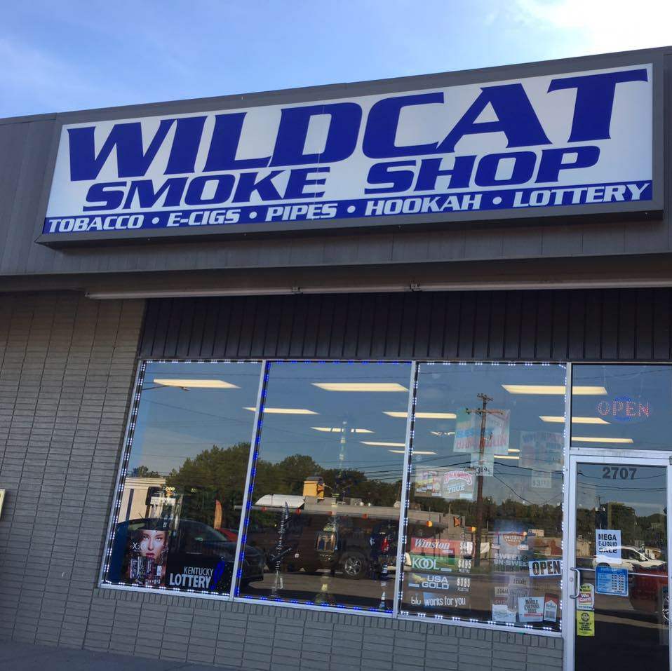 WILDCAT SMOKE SHOP  Logo