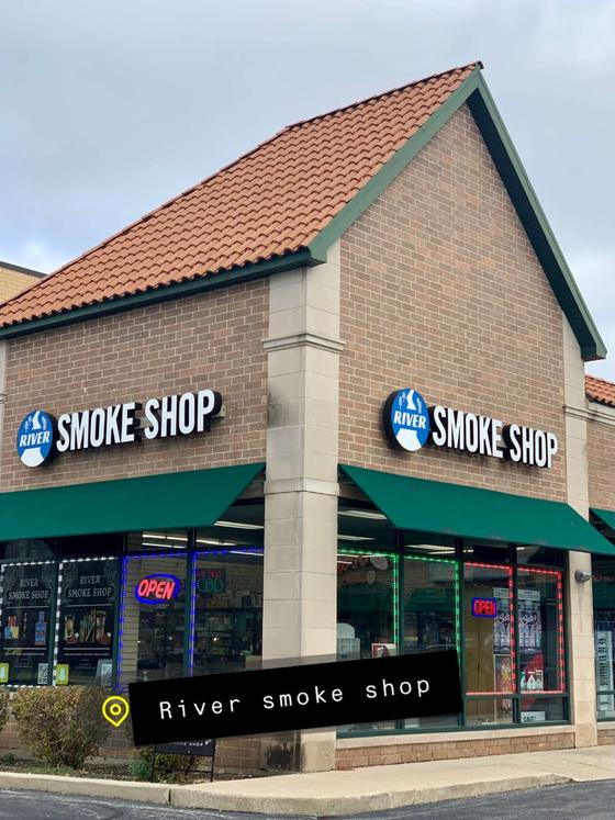 River Smoke Shop Logo