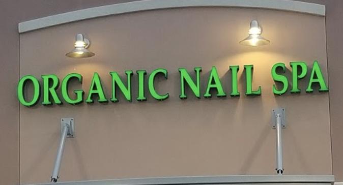 Organic Nail and Spa Logo