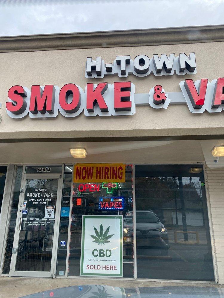 H Town Smoke and Vape 2 Logo