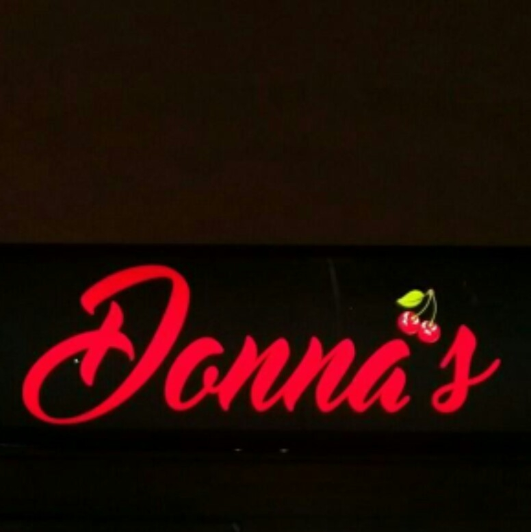 Donna's Slots and Cafe Logo
